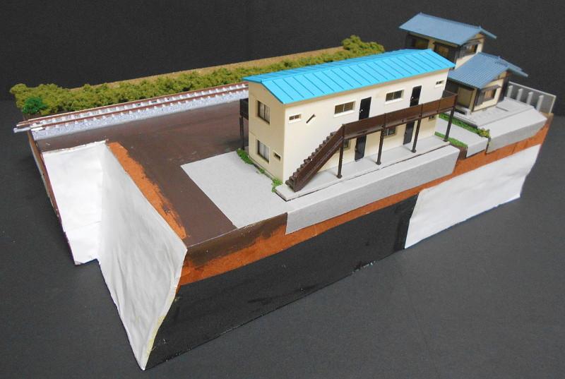 単線ミニモジュールレイアウト・アパートのある風景-2103