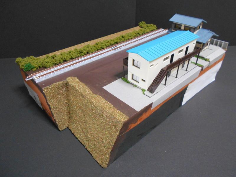 単線ミニモジュールレイアウト・アパートのある風景-2104
