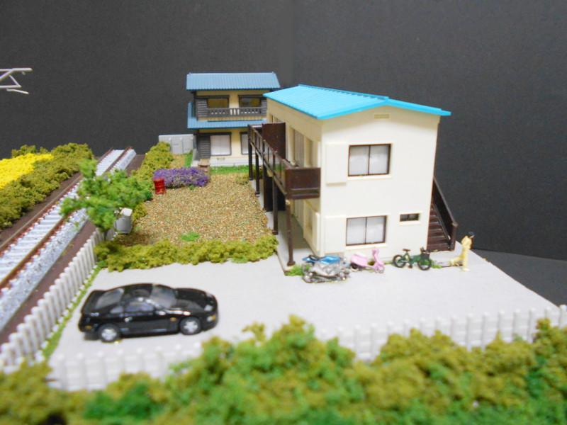 単線ミニモジュールレイアウト・アパートのある風景-2111