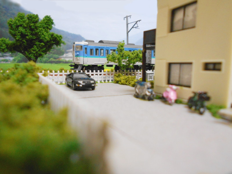 単線ミニモジュールレイアウト・アパートのある風景-2119