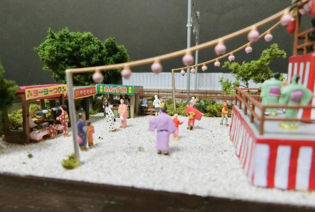 複線ミニレイアウト・夏の盆踊り-1113