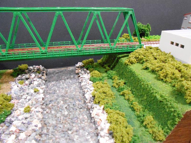 単線ミニモジュールレイアウト・鉄橋のある風景-1012