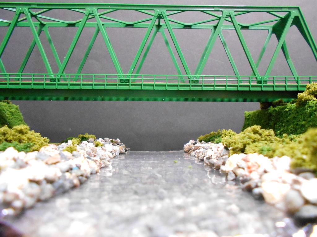 単線ミニモジュールレイアウト・鉄橋のある風景-1013
