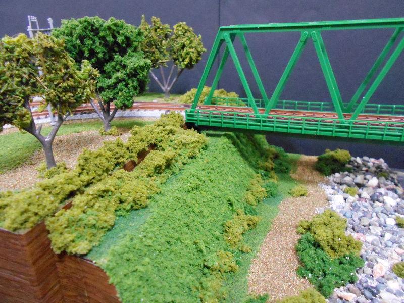 単線ミニモジュールレイアウト・鉄橋のある風景-1014