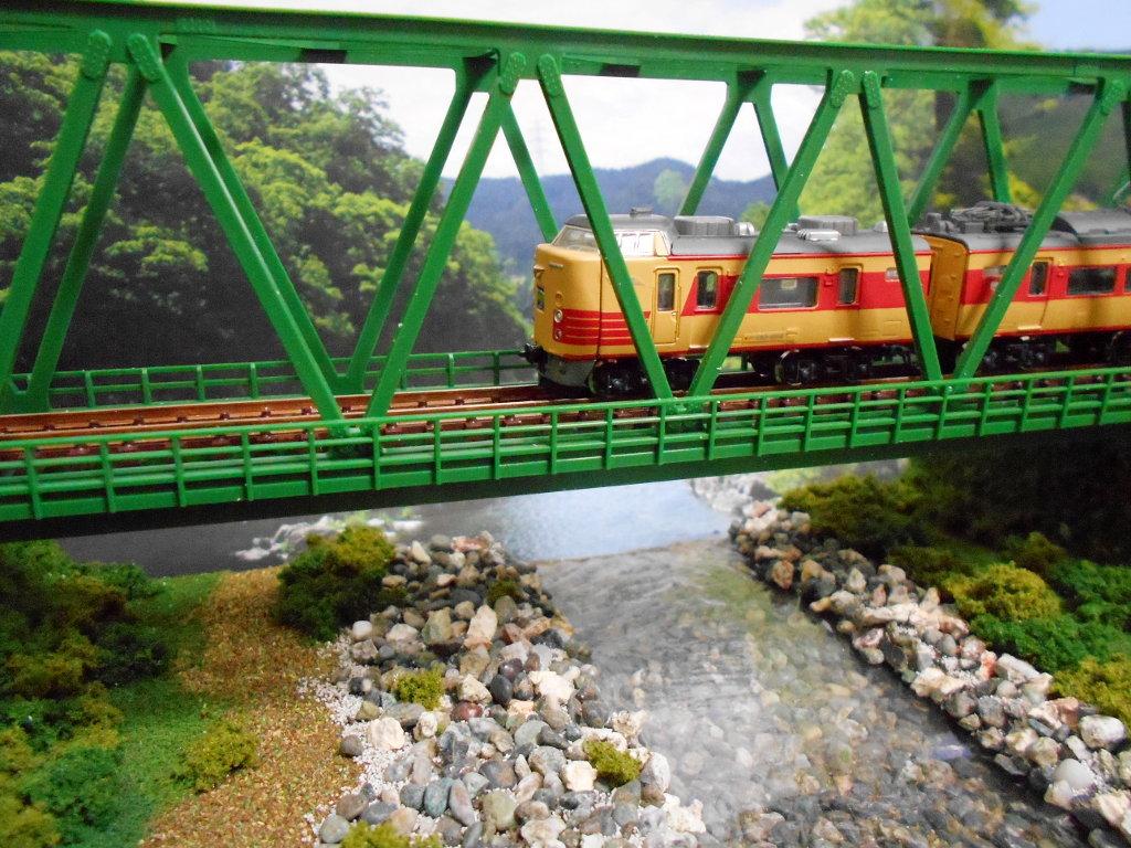 単線ミニモジュールレイアウト・鉄橋のある風景-1018