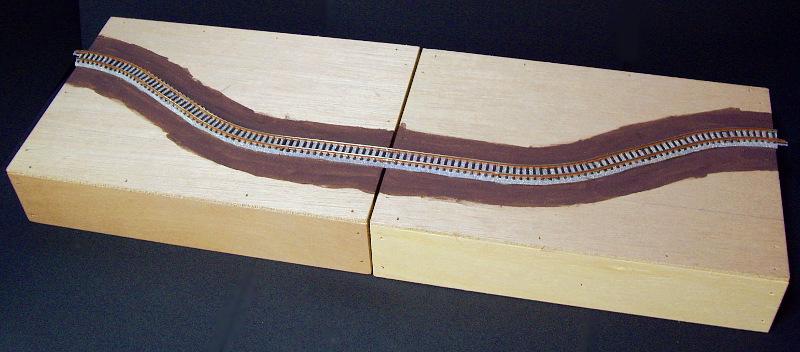 単線ミニモジュールレイアウト・S字切り通し-1103