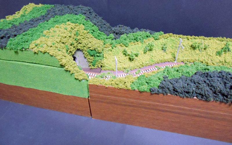 単線ミニモジュールレイアウト・S字トンネル-1216