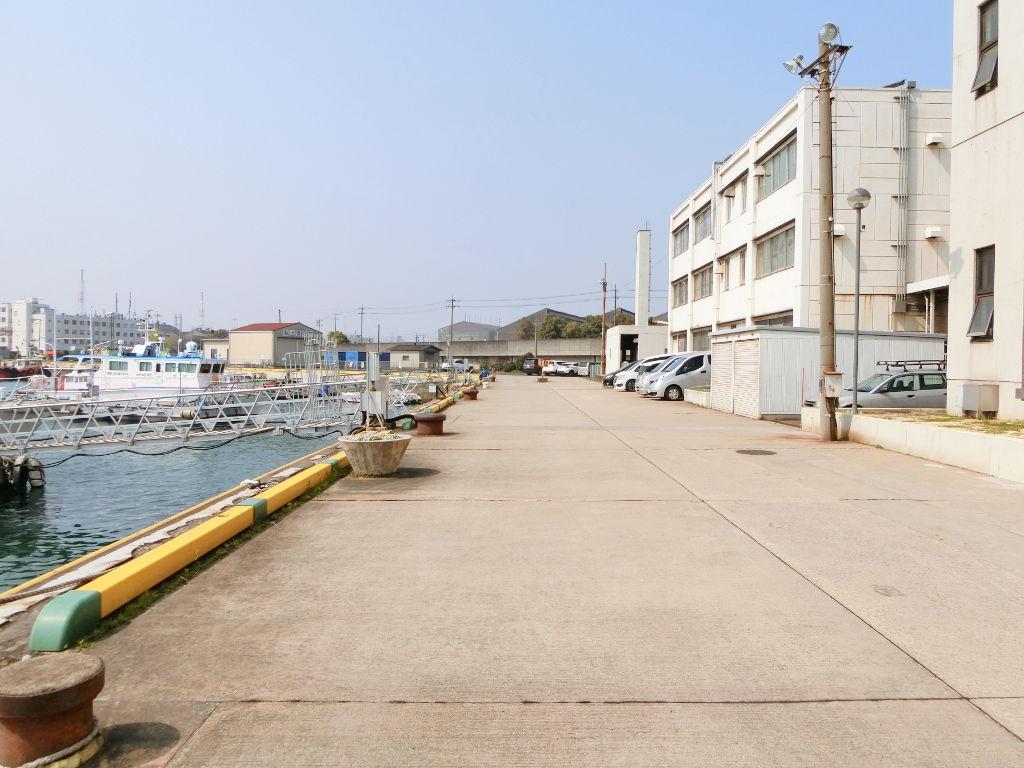 岡山・水島港の海上保安庁コンテナ2018春-1108