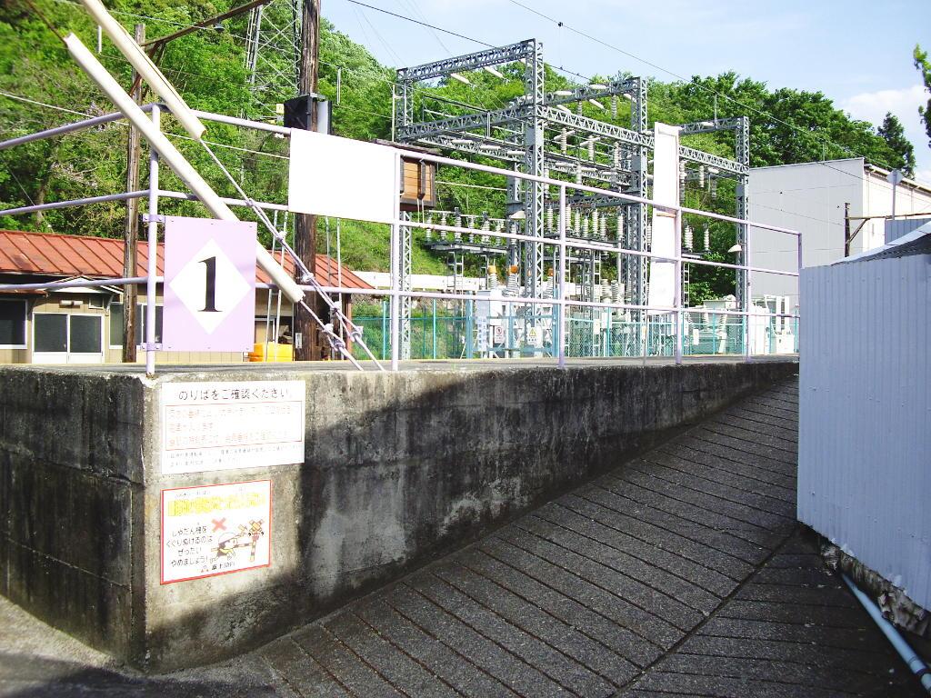 富士急行・田野倉駅2011-7016