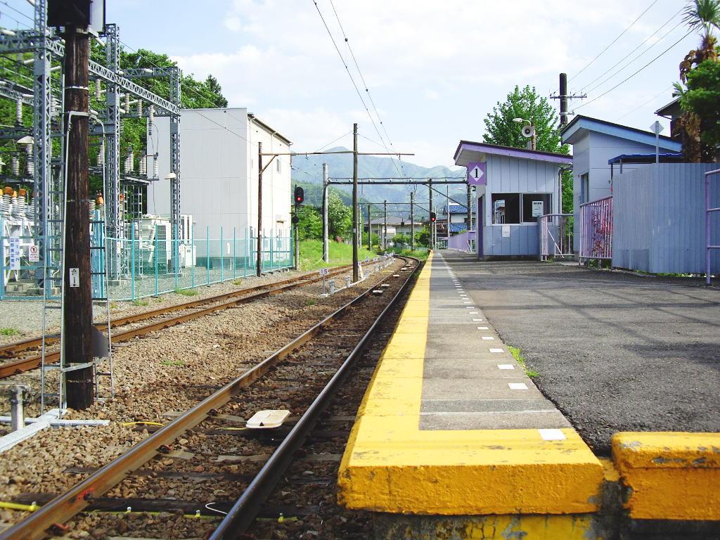 富士急行・田野倉駅2011-7017