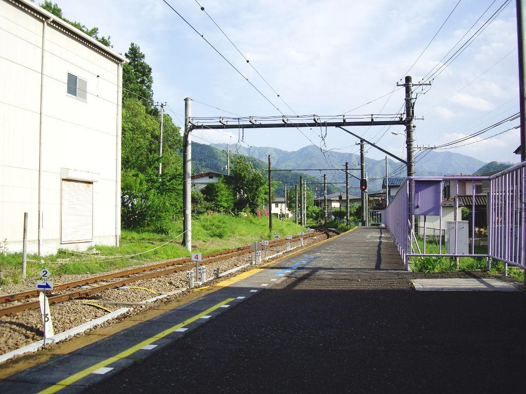 富士急行・田野倉駅2011-7018