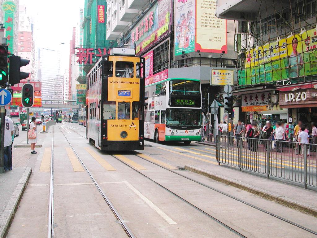香港・小心地滑友の会 その2・春秧街の二階建てトラム2007夏-0204