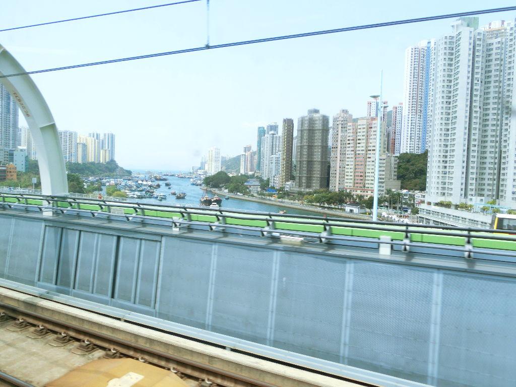 香港・小心地滑友の会 その18・地下鉄新線探検・南港島綫2018春-1822