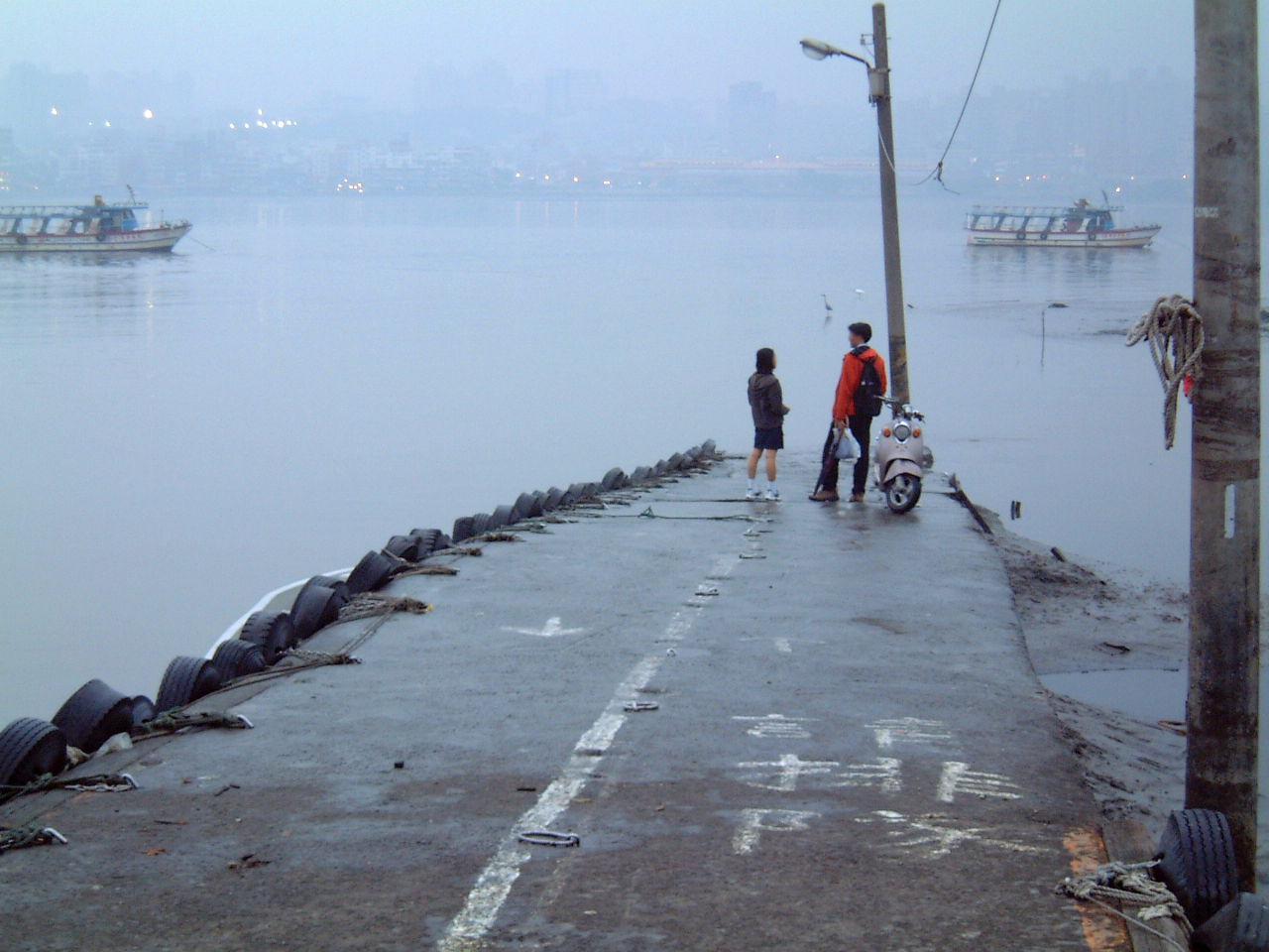 台湾・淡水的情景2002-0971