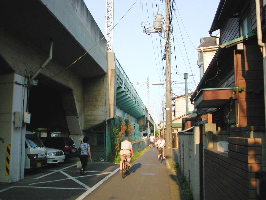 東京・西荻窪の東京外郭環状架道橋2006秋-1001