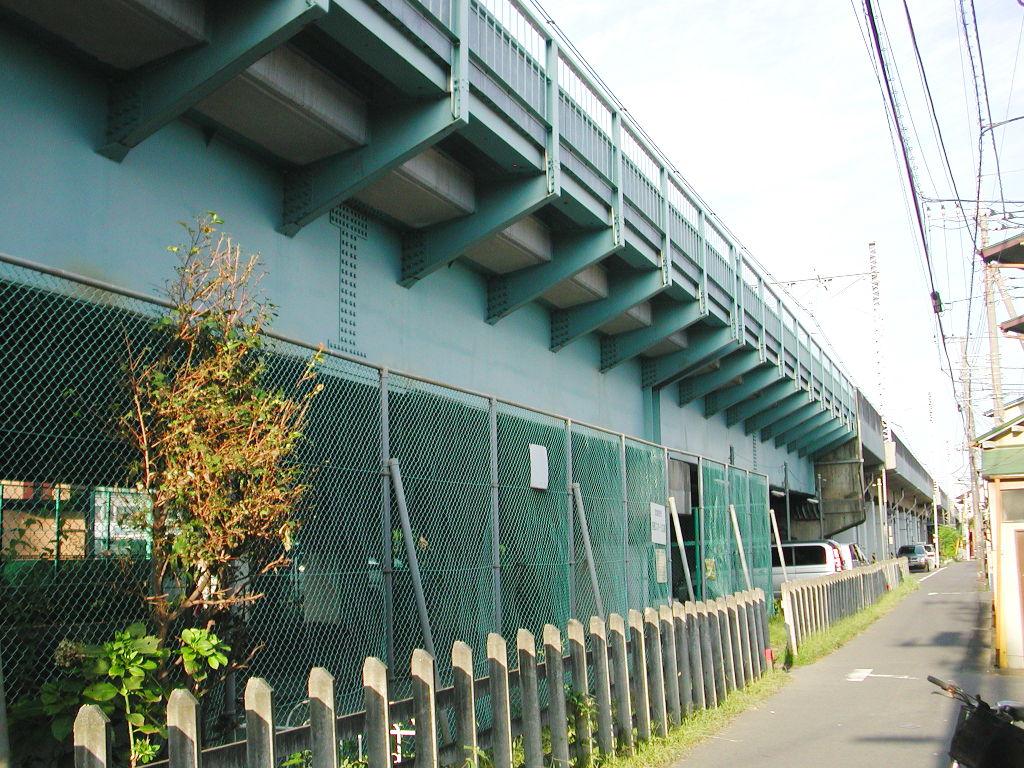 東京・西荻窪の東京外郭環状架道橋2006秋-1003