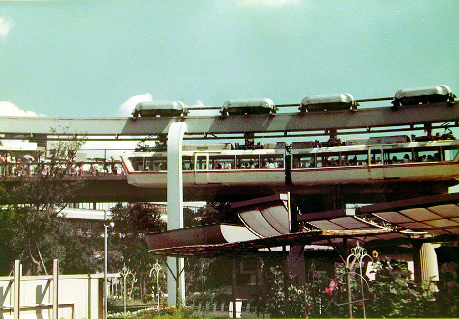 東京・上野動物園のモノレール1970s-6002