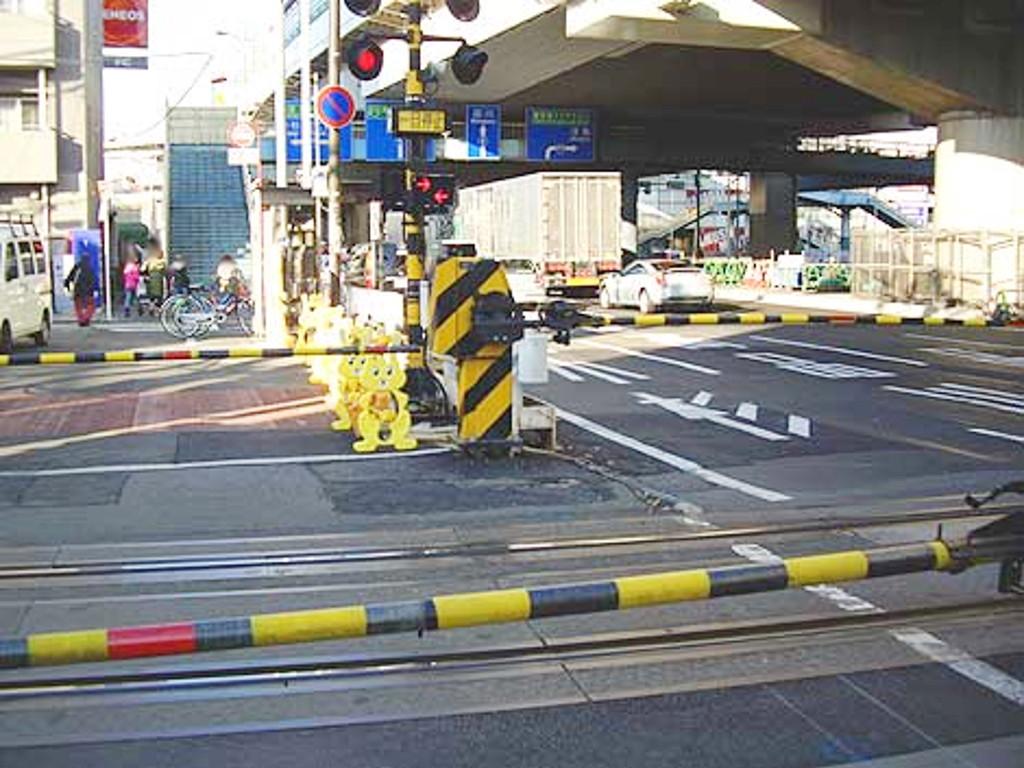 京浜急行大師線・リバーサイドハツモーデ2011新春-1204