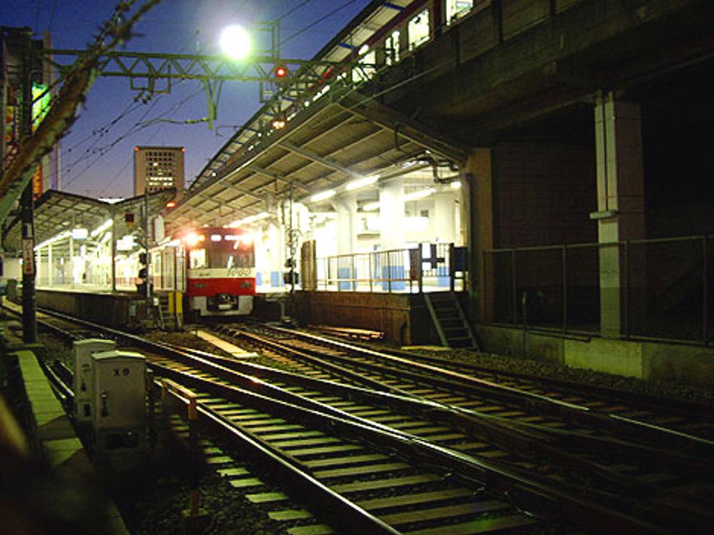 京浜急行大師線・リバーサイドハツモーデ2011新春-1223