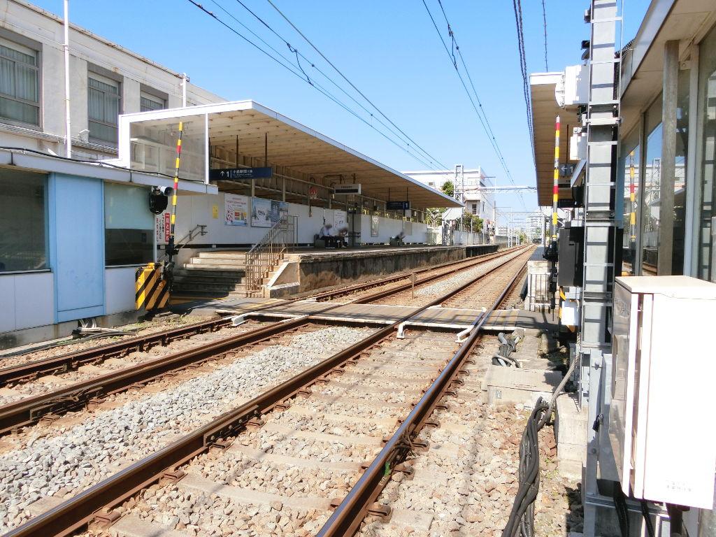 京浜急行大師線を歩く。その4・鈴木町駅2018夏-1405