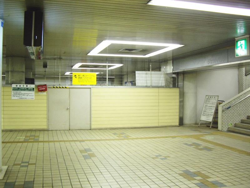 京成・東成田駅2010-1108