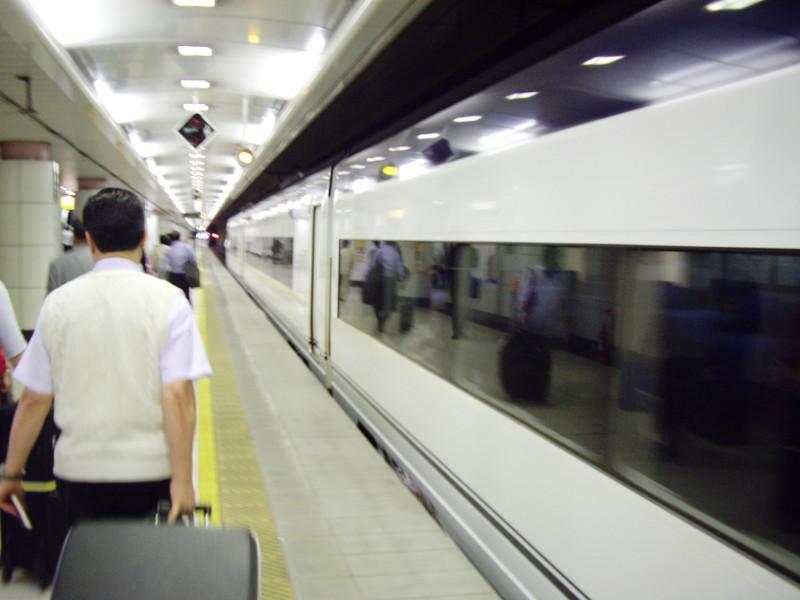 京成・成田スカイアクセス2011-1004