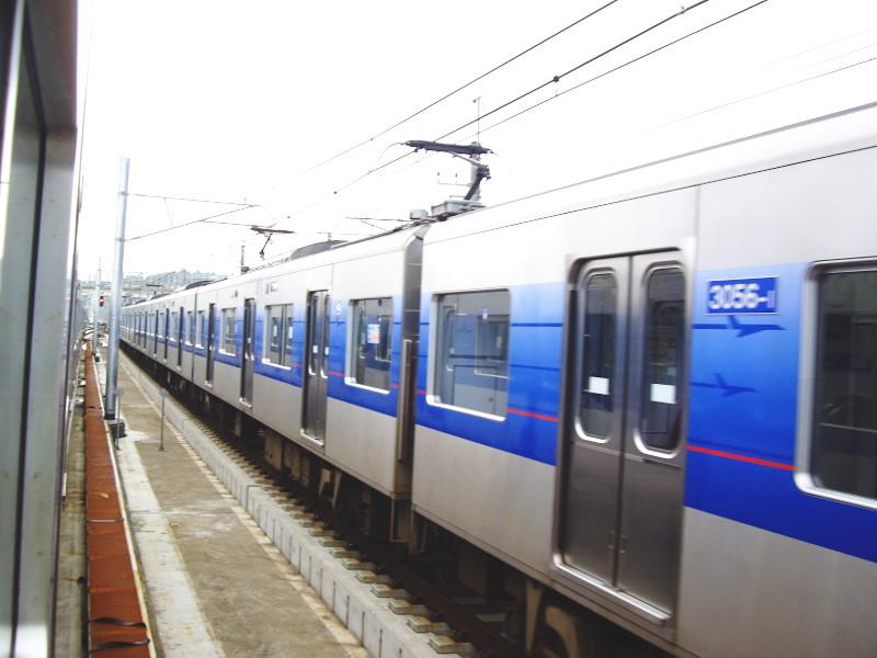 京成・成田スカイアクセス2011-1007