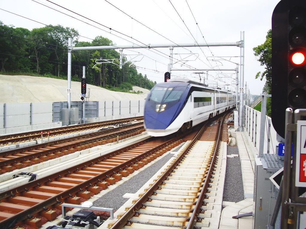 京成・成田スカイアクセス2011-1015