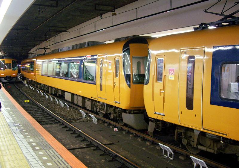 近鉄・スズメバチ特急2-0892