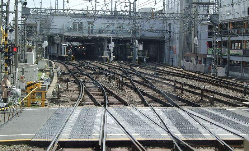 近鉄・大和西大寺駅2014-8001