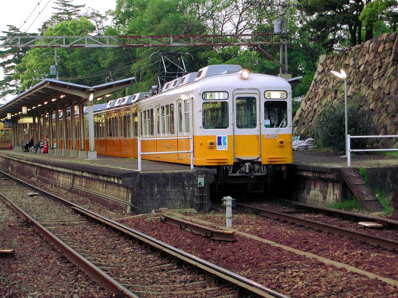 高松・黄色いことでん2006-1101