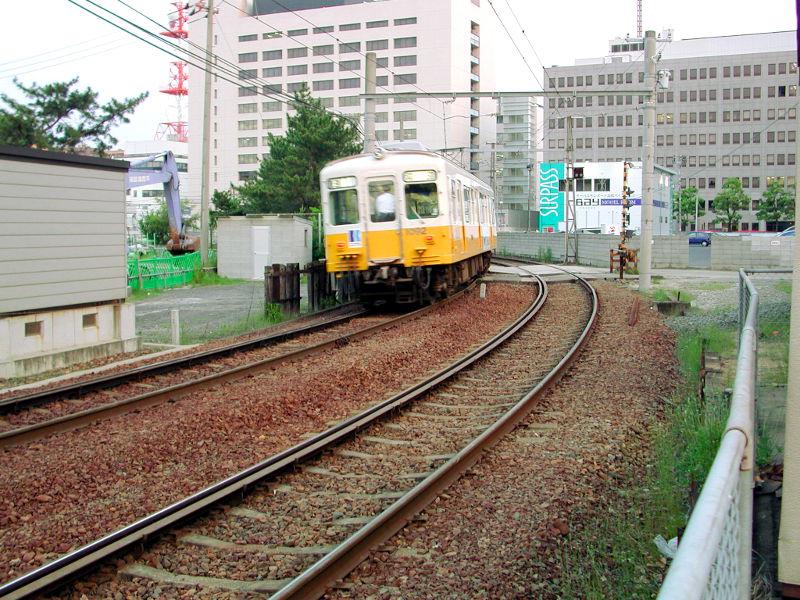 高松・黄色いことでん2006-1102