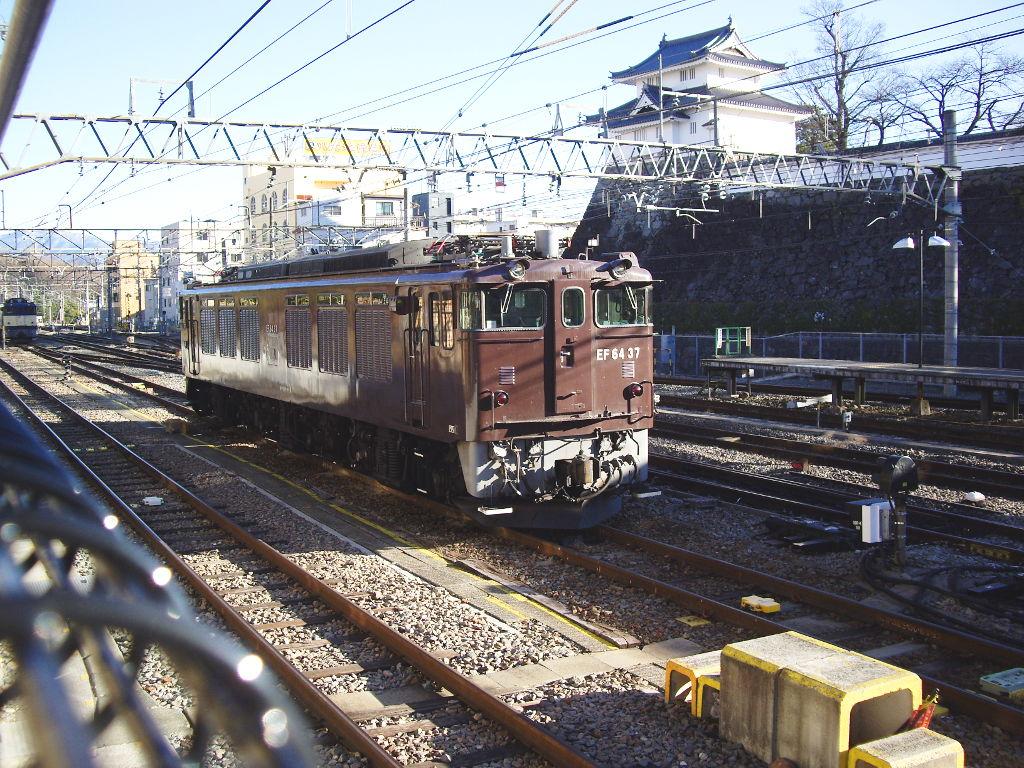 山梨・お城とEF64形機関車・甲府駅2014新春-1104