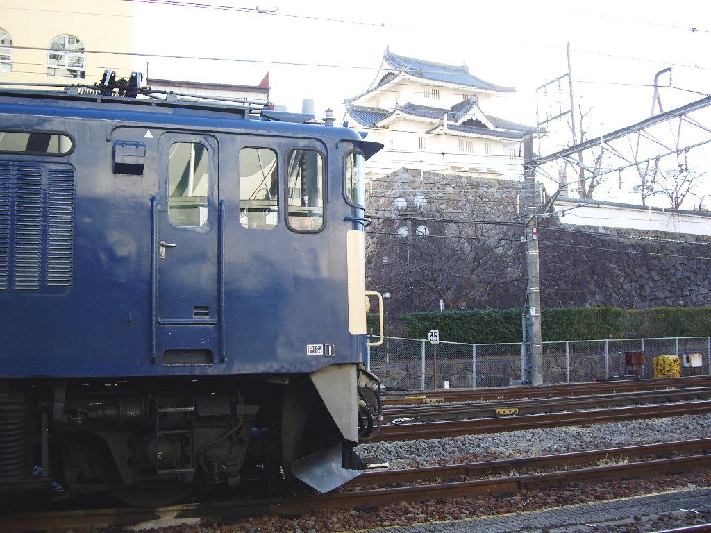 山梨・お城とEF64形機関車・甲府駅2014新春-1108