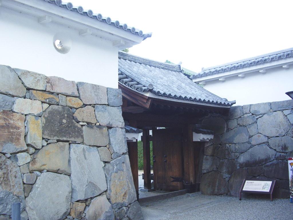 山梨・お城とEF64形機関車・甲府駅2014新春-1118