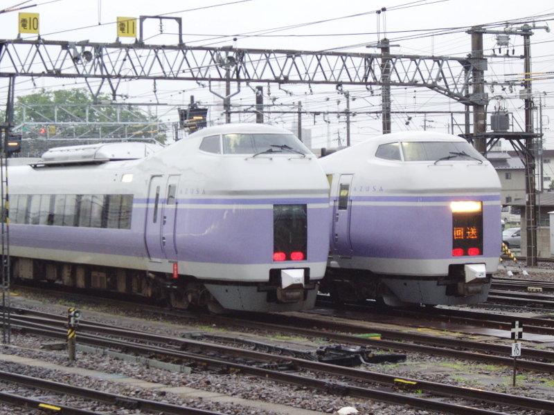 信州・松本駅の特急列車2009-1102