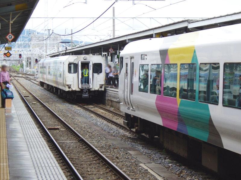 信州・松本駅の特急列車2009-1108