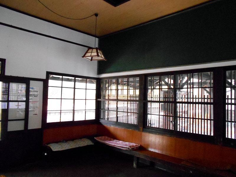 紅葉の木曽路・贄川駅2014-1508