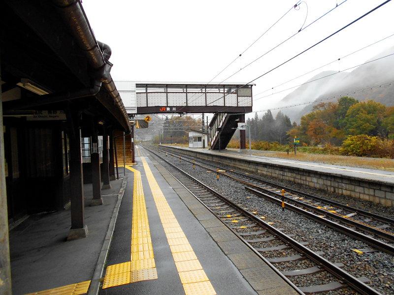 紅葉の木曽路・贄川駅2014-1512