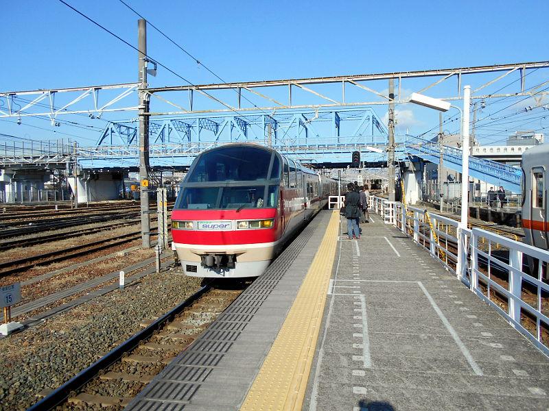名鉄・西枇杷島駅2015-0604
