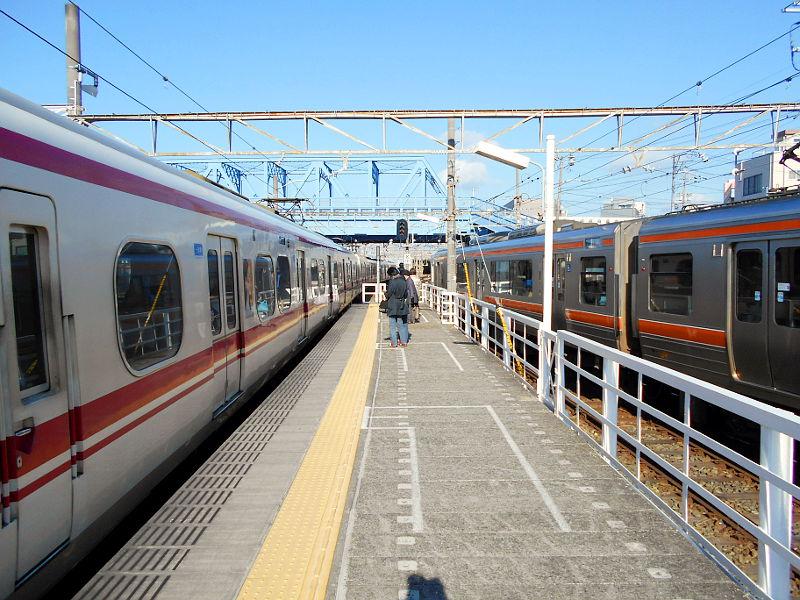 名鉄・西枇杷島駅2015-0605