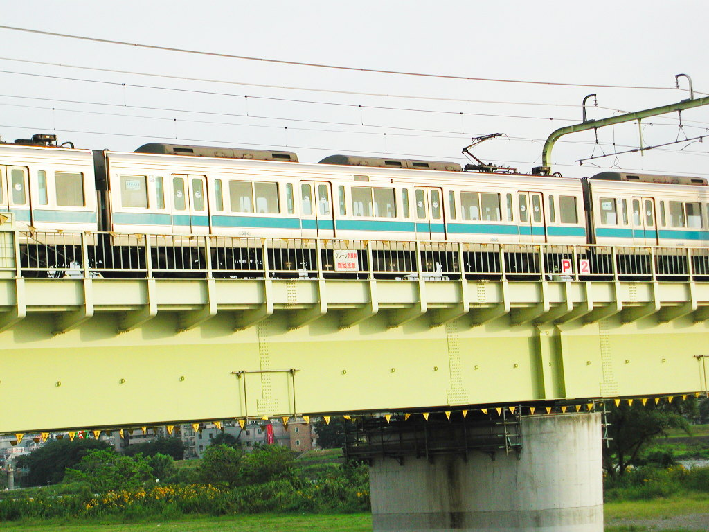 小田急線・和泉多摩川の鉄橋2005-1003
