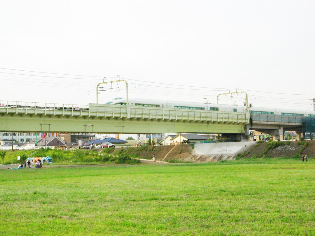 小田急線・和泉多摩川の鉄橋2005-1007