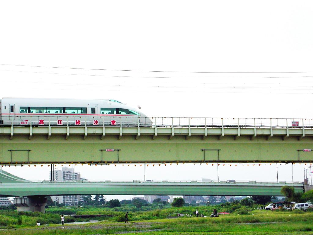 小田急線・和泉多摩川の鉄橋2005-1008