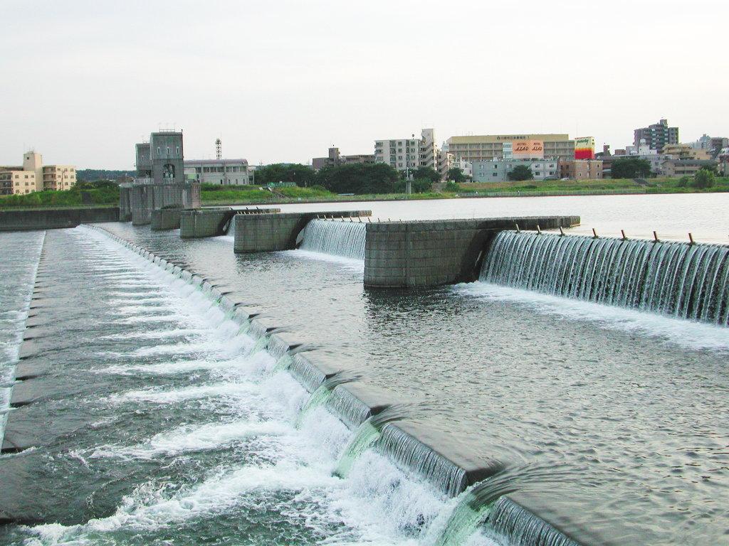 小田急線・和泉多摩川の鉄橋2005-1013