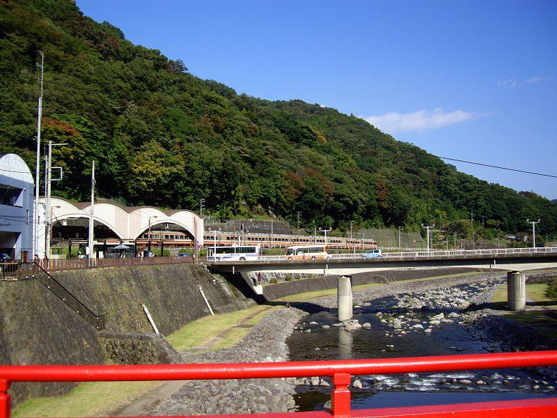箱根登山鉄道と夕暮れの富士山2012-7001