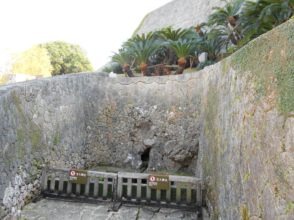 沖縄・那覇で年越し2018その5・首里城内-1525