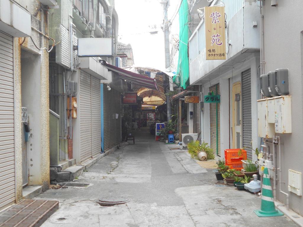 沖縄・那覇で年越し2018その6・首里城からやちむん通りへ-1606