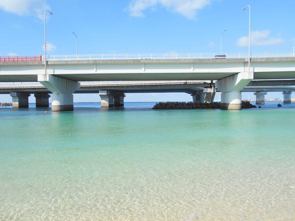 沖縄・那覇で年越し2018その14・波の上ビーチでオリオンビール-2408