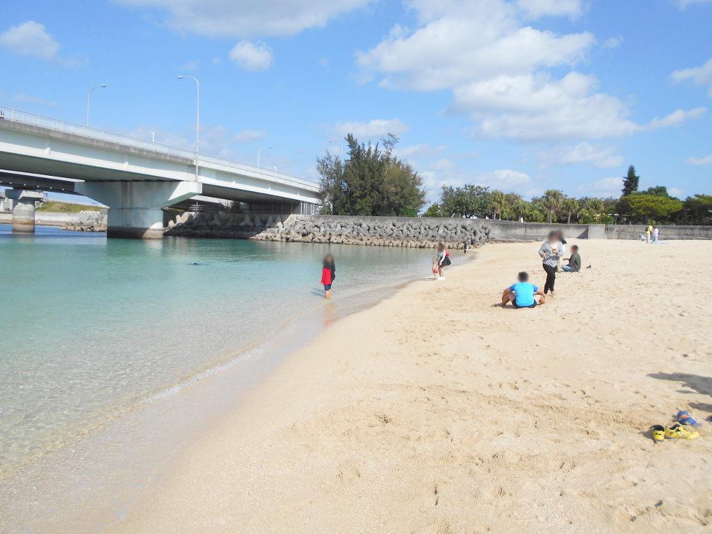 沖縄・那覇で年越し2018その14・波の上ビーチでオリオンビール-2413
